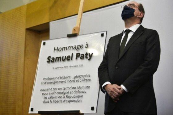 Französische Republik Würdigt Pauker, Jener Während Mohammed-Karikaturen Enthauptet Wurde